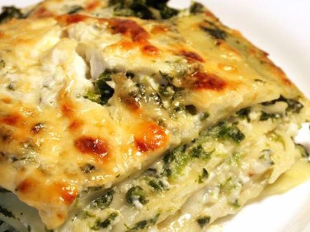 Ricetta Lasagne E Spinaci.Lasagne Natalizie Di Spinaci E Ricotta Mangiare Bene
