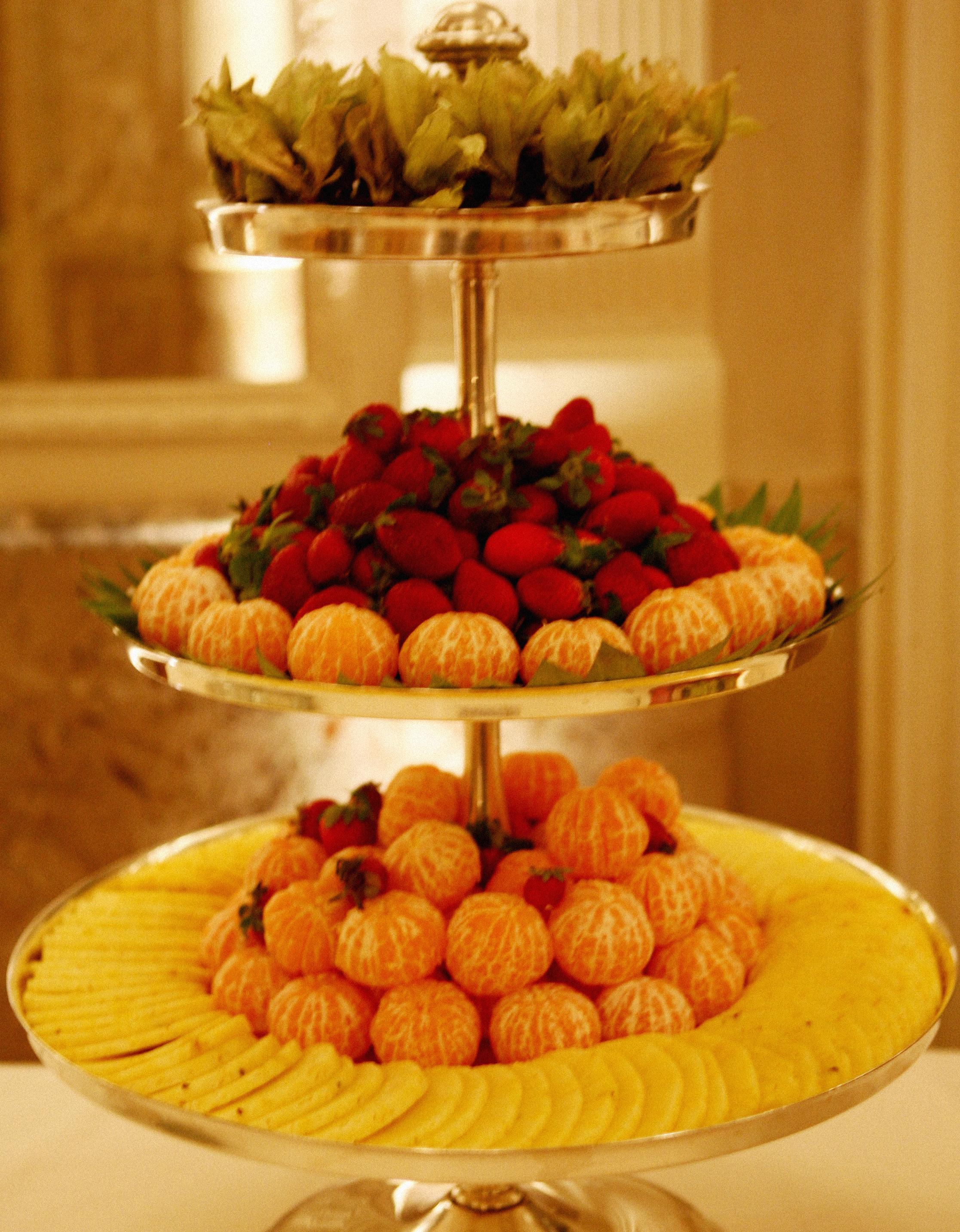 Come Presentare La Frutta.Trionfo Di Frutta Mangiare Bene